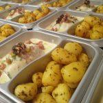 Kabeljauw in preisaus met gebakken aardappeltjes